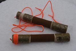 Apportierholz mit Schnur und Ledereinfassung