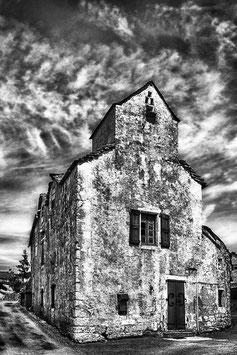 Maison sur la Causse Méjean par Mateo Brigande