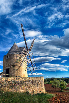 Le moulin de Régusse (83) par Mateo Brigande