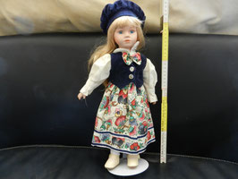 """Puppe """"Mädchen mit blaue Kappe"""""""