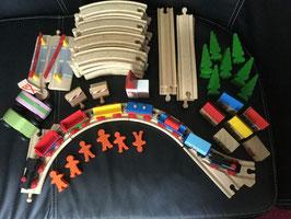 Holzeisenbahn mit Zubehör