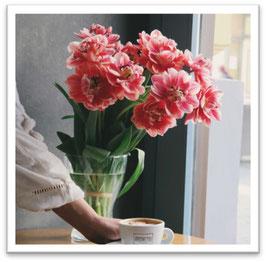 ①「エントランスフラワー ~7月のお花~」