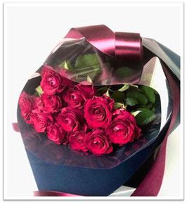 ②「ダズンローズ」12本のバラに誓いを込めた花束