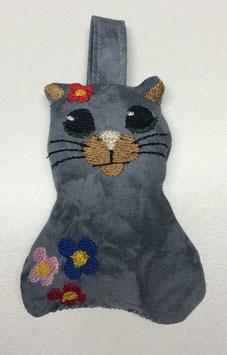 Schlüsselanhänger / Katze mit Blume