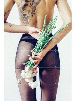 POSTER IXXI FLOWER AND TIGHTS