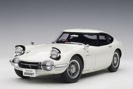1967 Toyota 2000 GT Coupe white 1:18