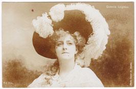 Queenie Leighton. Aristophot E 764