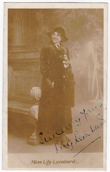 Lily Leonhard. Soprano, vocalist. Signed postcard