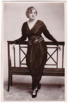 Gladys Cooper. Rotary B 72-4