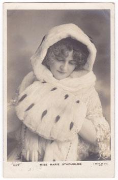 Marie Studholme. Beagles 523 E