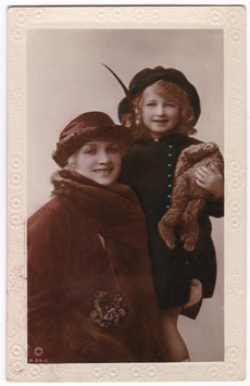 Gladys Cooper and daughter. Rotary B 64-1