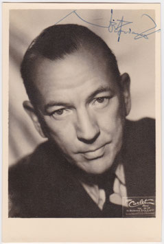 Noel Coward. Signed photograph