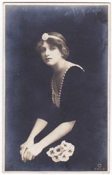 Gladys Cooper. Rotary B W 1-3