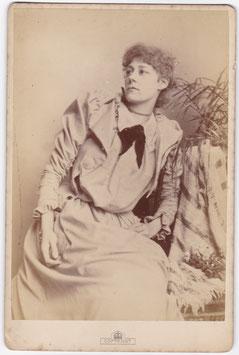 Violet Vanbrugh. Bassano cabinet photo