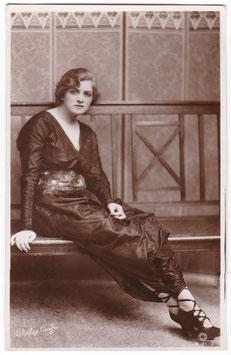 Gladys Cooper. Rotary B 71-2