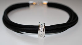 11193. Halskette aus Seide & Silber 925