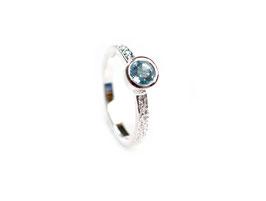 R0740.1.BT.56. Ring Silber 925 & blaue Topas