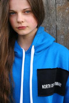 "NORTH OF GERMANY KIDS SPECIAL HOODIE SAPHIRE BLUE ""GLOTZ NICHT SO"""