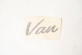 ADESIVO LOGO VAN GRIGIO SCURO PER EKE VAN (cod. BAF90-0013392 - POS.26)