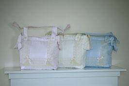 Wickeltasche mit Spitze und Schleife Nr. A001