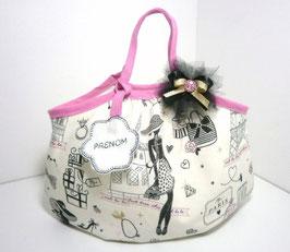 """Sac enfant prénom """"Miss Paris"""" sac pour petite fille forme boule, idée cadeau de noël, anniversaire...sac rose noir doré motif Paris..."""