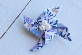 Broche liberty wiltshire mauve-lavande origami moulin à vent pour baptême mariage