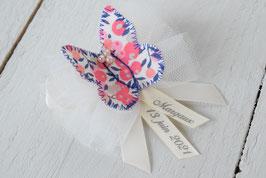 broche baptême papillon liberty corail à personnaliser avec prénom date cérémonie - idée cadeau souvenir parrain marraine papa ou maman