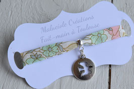 Bracelet médaillon Colombe liberty poppy and daisy pastel  pour baptême, communion, confirmation