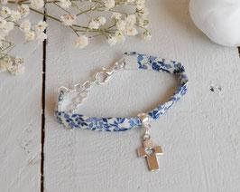 Bracelet liberty Katie and millie bleu croix argenté pour baptême, communion, confirmation