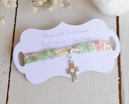 Bracelet croix argenté liberty poppy and daisy pastel  pour baptême, communion, confirmation