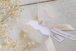 broche baptême à personnaliser avec prénom date cérémonie papillon blanc ivoire - idée cadeau souvenir parrain marraine papa ou maman