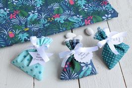 Pochon dragées tropical vert émeraude jungle étoile pour  baptême mariage / sachet tissu avec étiquettes personnalisées