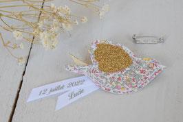 Broche Oiseau Liberty Katie and Millie Pastel /ruban personnalisable avec prénom et date / idée cadeau parrain, marraine ou témoins mariage