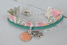 Bracelet enfant vintage vert rose liberty / trèfle porte-bonheur/ idée cadeau anniversaire noël halloween