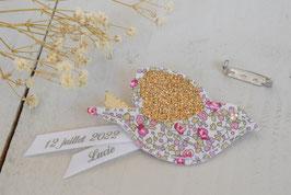 Broche Oiseau Liberty Eloise rose /ruban personnalisable avec prénom et date / idée cadeau parrain, marraine ou témoins mariage