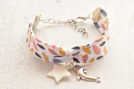Bracelet enfant dauphin et étoile nacre - idée cadeau anniversaire noël enfant bijou artisanal