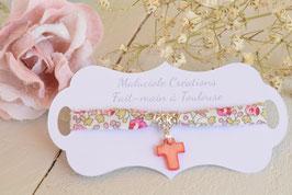 Bracelet liberty Eloïse rose avec croix nacre rouge pour baptême, communion, confirmation