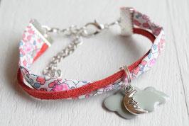Bracelet enfant fillette tissu liberty Eloïse corail breloque Nuage et Lune- idée cadeau anniversaire noël