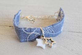 Bracelet enfant en tissu blue jeans brodé pour fillette breloque argenté étoile idée cadeau anniversaire noël bijou fille enfant artisanal