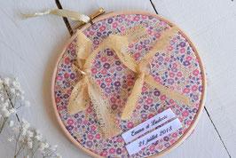 Tambour porte alliance personnalisé en tissu Liberty rose mariage champêtre vintage bohème