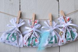 Calendrier de l'avent Noël AG 24 sachets en tissu à remplir, réutilisable et création artisanale en tissu Rennes bleu blanc rouge