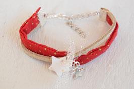 Bracelet enfant Noël - Tissu rouge à pois doré et suédine daim - Breloques étoiles
