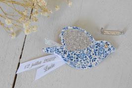 Broche Oiseau Liberty Katie and Millie Bleu/ruban personnalisable avec prénom et date / idée cadeau parrain, marraine ou témoins mariage