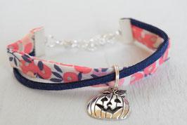 Bracelet enfant halloween citrouille pour fille / tissu liberty whiltshire corail orange  / idée cadeau anniversaire noël halloween