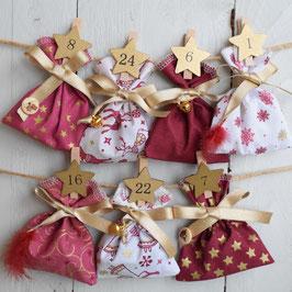 Calendrier de l'avent Noël réutilisable en tissu rouge blanc doré avec pince bois chiffre