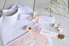 cadeau de naissance Rose poudré-or broderie prénom bébé fille  : bavoir, bandeau bébé, attache tétine prénom et barrette