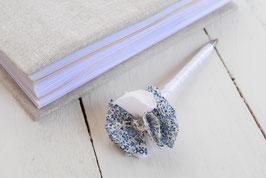 Stylo livre d'or fleur liberty katie and millie bleu blanc & strass pour mariage baptême thème champêtre