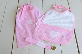 cadeau de naissance ensemble rose à coeur blanc personnalisé broderie prénom bébé fille