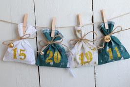 Calendrier de l'avent Noël 2021-B/ 24 sachets en tissu à remplir & réutilisable / Création artisanale en tissu vert écru blanc doré or