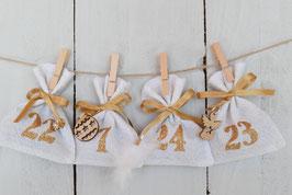 Calendrier de l'avent Noël 2021-C/ 24 sachets en tissu à remplir & réutilisable / Création artisanale en tissu blanc paillette doré